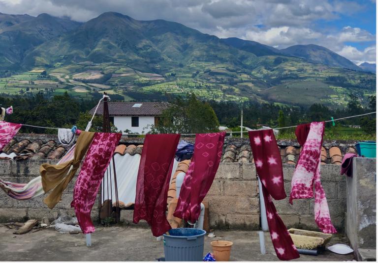 La Calera, Ecuador with the artisan group Sumak Muyo.
